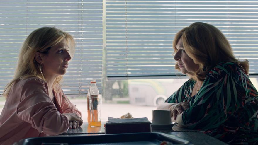 """""""Las siamesas"""", de Paula Hernández, está protagonizada por Valeria Lois (izq.) y Rita Cortese (der.)"""