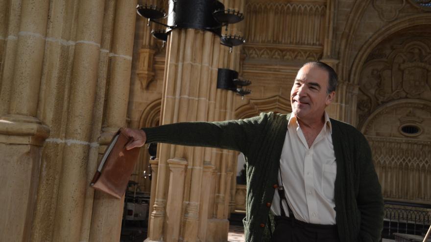 Mandy Patinkin durante el rodaje de 'La reina de España', de Fernando Trueba