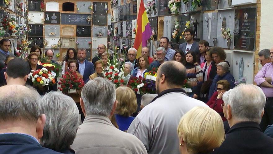 Un instante del homenaje celebrado a los 27 fusilados en Sagunto en 1939