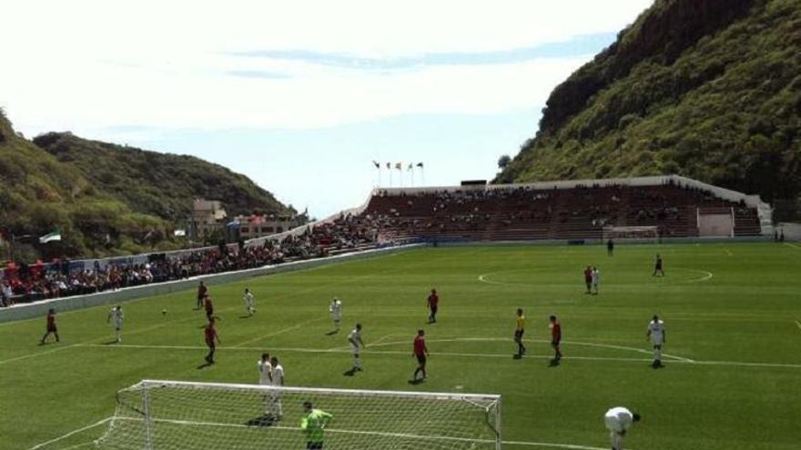 Imagen de archivo de un partido Mensajero-Tenisca en el estadio Silvestre Carrillo.