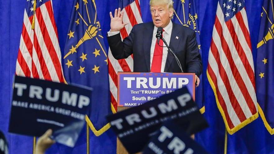 Los votantes republicanos quieren que el partido nomine a Trump, según un sondeo
