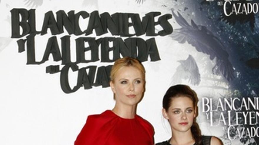 Charlize Theron y Kristen Stewart en Blancanieves