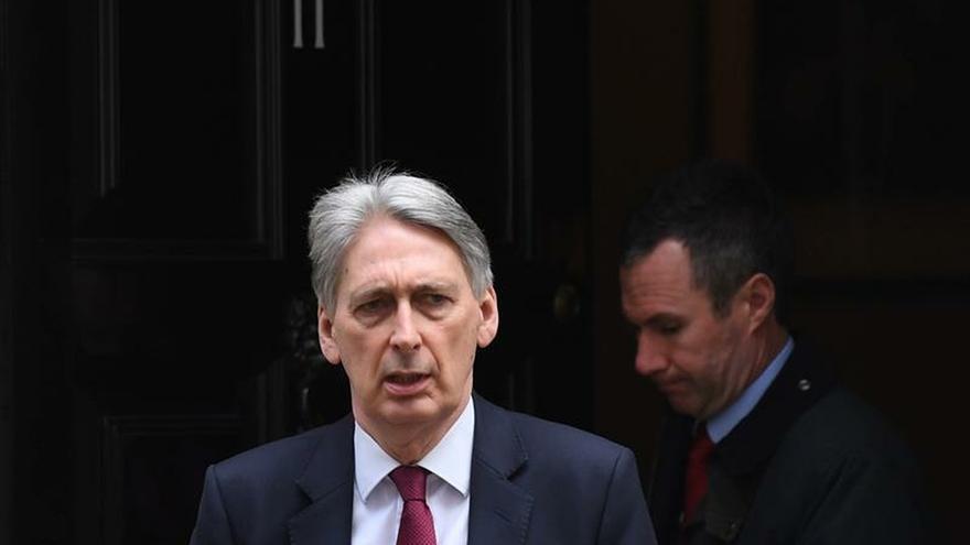 Dimite el ministro de Economía británico, Philip Hammond