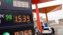 "Facua pide que la CNMC investigue la ""ínfima"" bajada de la gasolina"