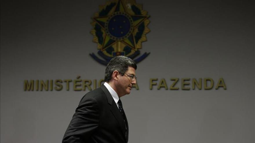 Brasil reducirá el gasto público para obtener un excedente del 0,7 % en 2016
