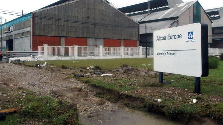 """Varios inversores visitan la planta coruñesa de Alcoa para plantear """"ofertas"""""""