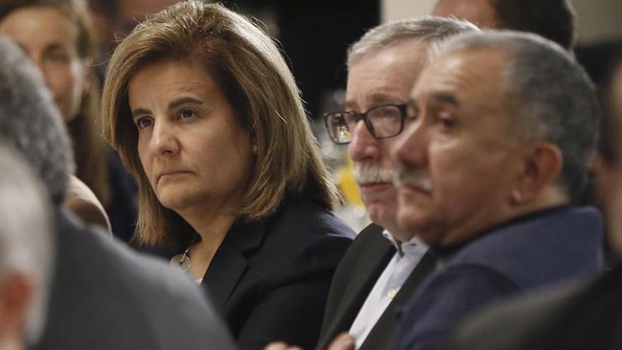 Báñez: pagar las pensiones con deuda pública ya se hizo en los años noventa