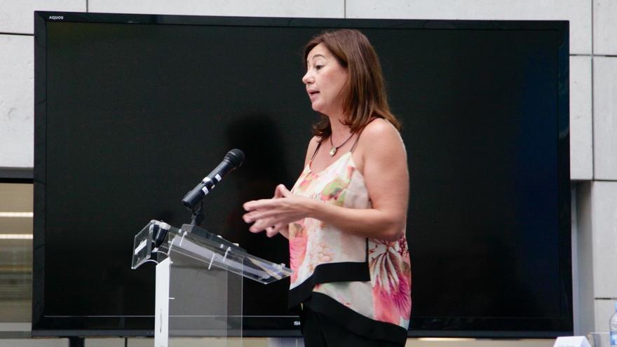 """Armengol: """"Cuando Rajoy se niega a recibir a la presidenta, se niega a escuchar los problemas de la ciudadanía"""""""