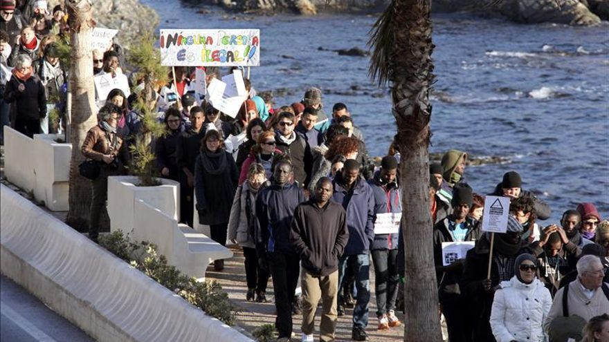 "Varias ONG lamentan que sigan ""impunes"" las muertes de inmigrantes en el Tarajal"