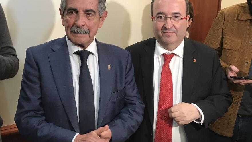 """Revilla pide votar a Iceta por ser la """"única solución"""" para Cataluña"""