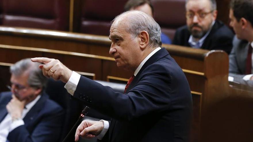 Los grupos parlamentarios exigen explicaciones al ministro de Interior sobre el nombramiento de Marhuenda