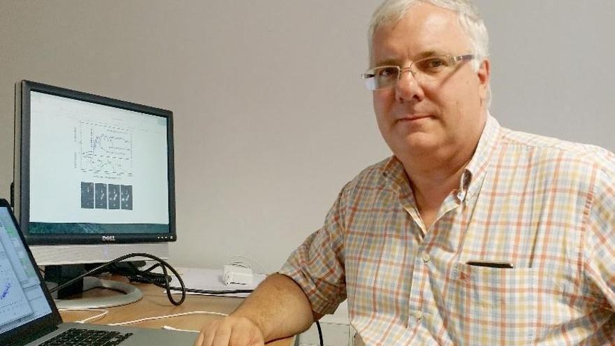 José Antonio de Diego Onsurbe, astrofísico del Instituto de Astronomía de la Universidad Nacional Autónoma de México (IAUNAM), durante su estancia en el Instituto de Astrofísica de Canarias (IAC). Crédito: Marián Moreno (IAC).