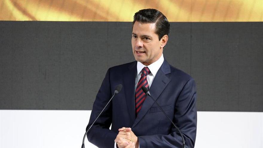 """Peña Nieto pide a Pompeo la """"rápida reunificación"""" de familias migrantes"""