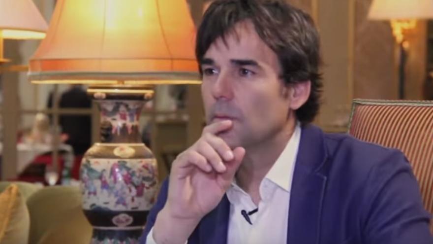 El reportero Cake Minuesa, durante una entrevista en Telemadrid en 2014