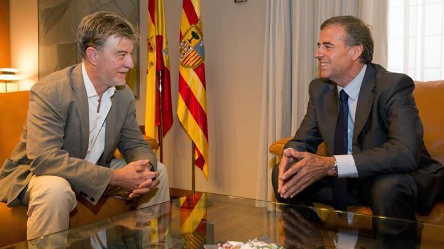 Antonio Cosculluela (derecha) perderá la Alcaldía de Barbastro tras 20 años