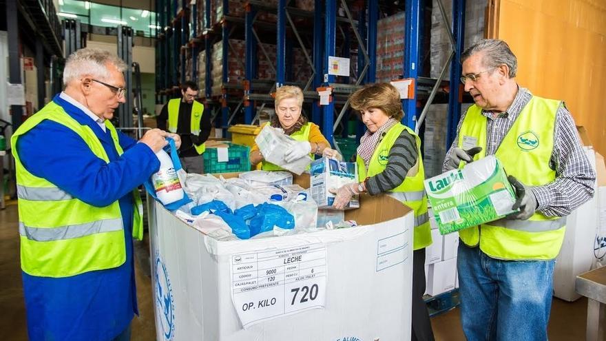 La Obra Social La Caixa recoge más de 22.000 litros de leche en favor del Banco de Alimentos de Navarra