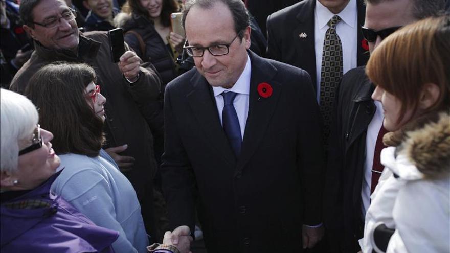 Hollande reafirma que Nueva Caledonia votará si quiere su independencia