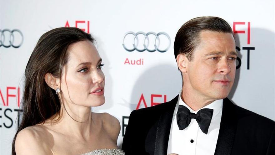 """El divorcio entre Angelina Jolie y Brad Pitt está """"suspendido"""", según medios"""