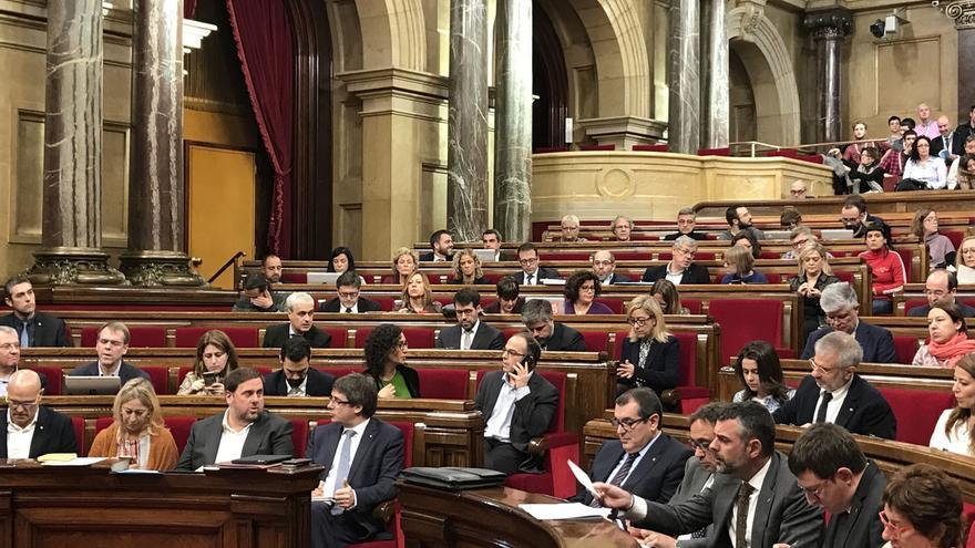 C's y PSC exigen a Puigdemont que acuda a la Conferencia de Presidentes pero el presidente catalán lo rechaza