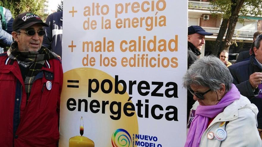 """Iglesias dice que es """"inaceptable"""" que la gente muera porque las eléctricas les corten la luz y el gas"""