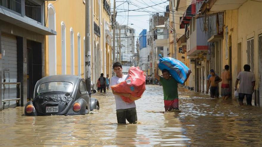 Al menos cuatro muertos y miles de damnificados por inundaciones en norte peruano