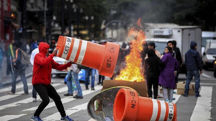 """El alcalde de Sao Paulo dice que los huelguistas son """"perezosos"""" y se levantan tarde"""
