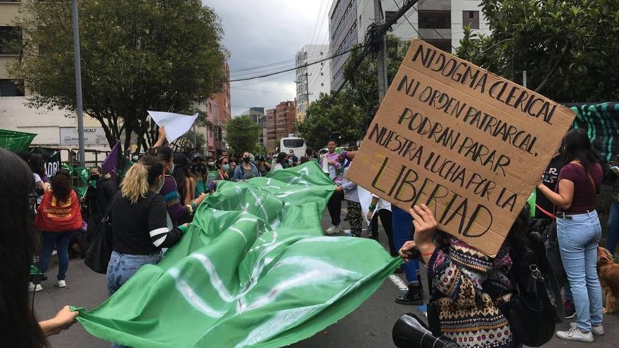 La Corte Constitucional de Ecuador aprueba el aborto por violación en un fallo histórico