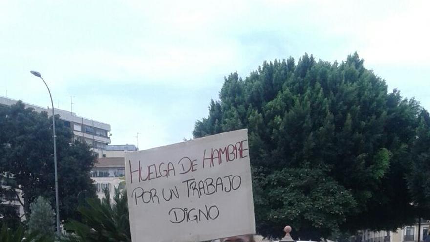 Esperanza Gálviz, la trabajadora de Ayuda a Domcilio de Murcia en huelga de hambre