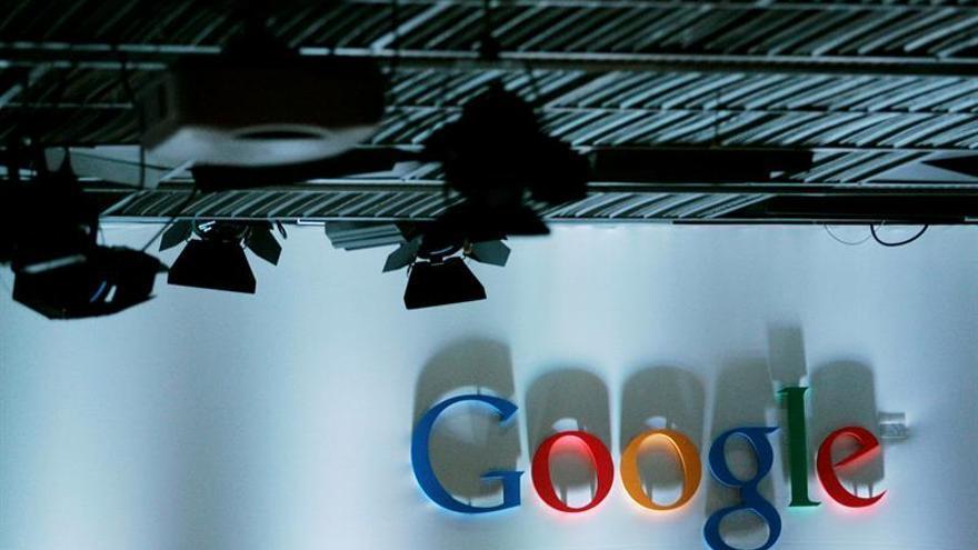 Google contrata pasajeros para que viajen en sus vehículos autónomos