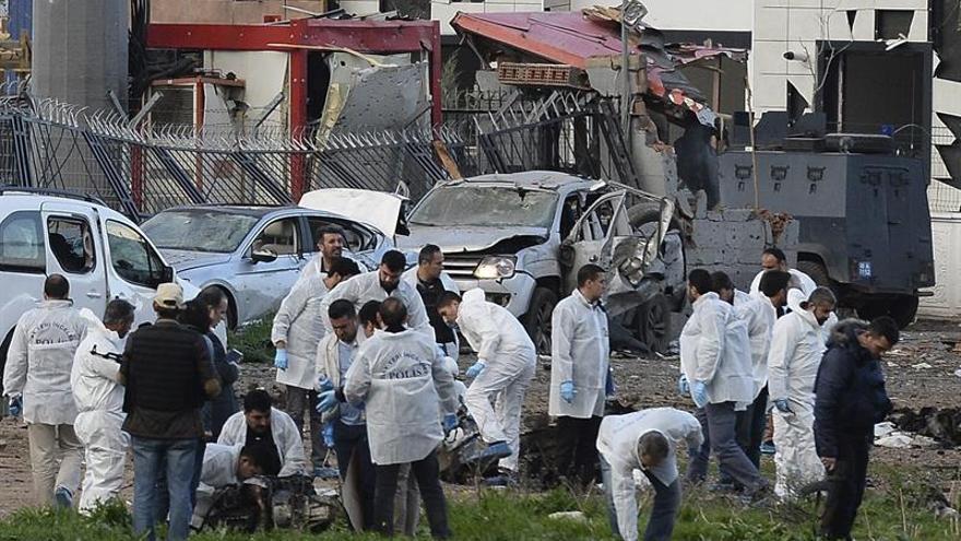 Al menos nueve heridos por la explosión de un coche bomba en el sureste turco