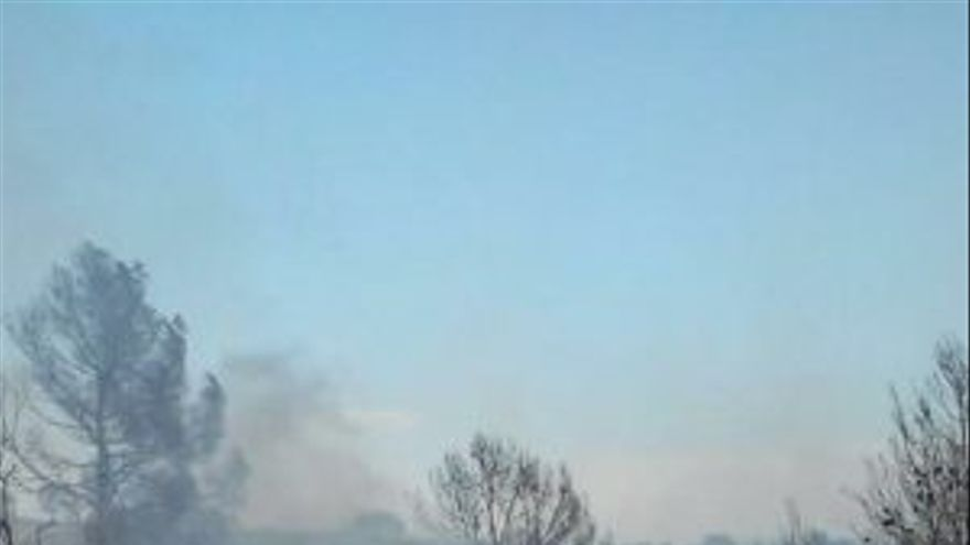 Vehículos calcinados en el incendio de Liétor