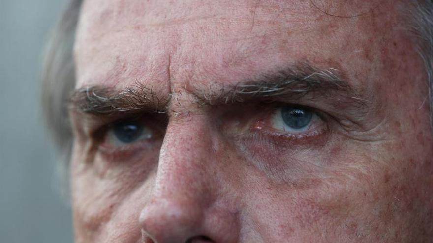 Dan de alta al candidato presidencial brasileño Bolsonaro, apuñalado en un mitin