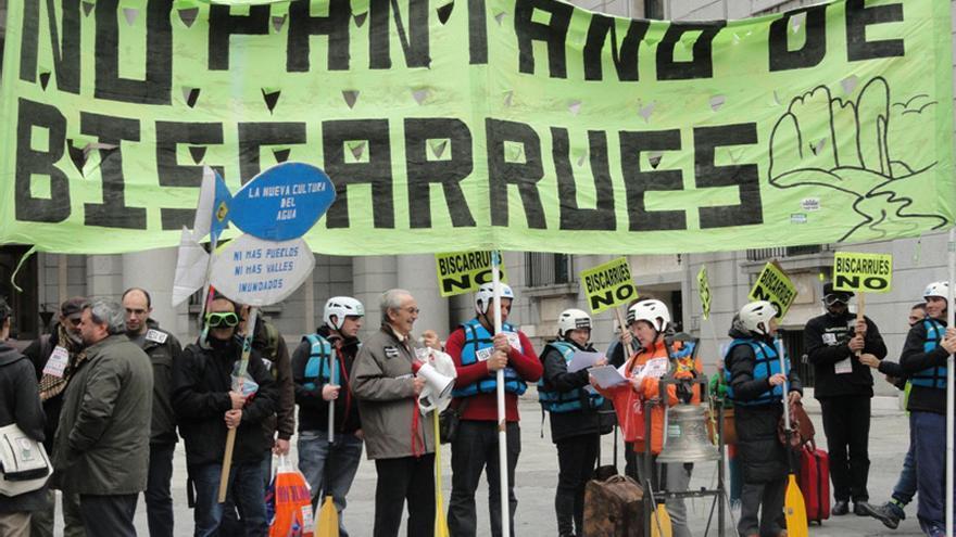 Protesta en Zaragoza contra el pantano en 2017