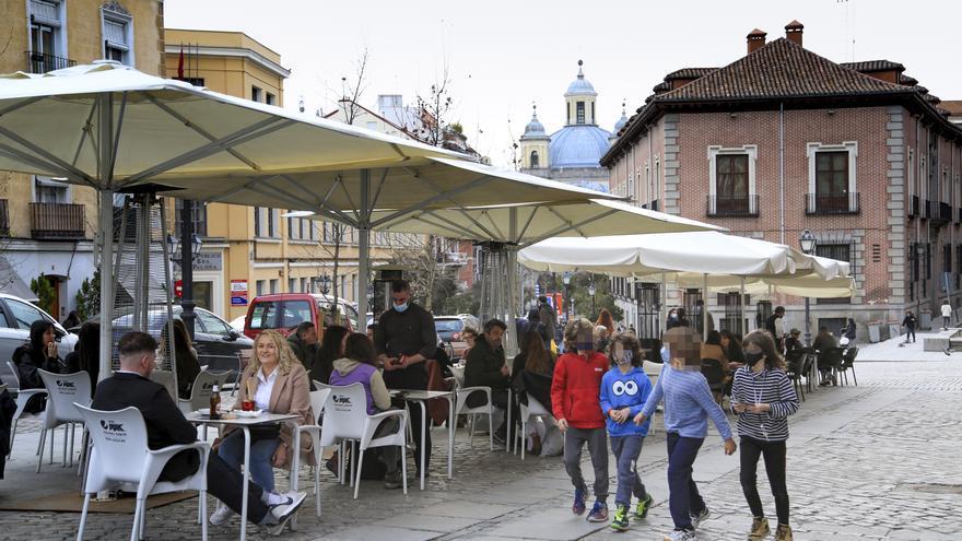"""Madrid se abre a relajar las restricciones al ruido en el distrito Centro para ser """"sensibles"""" con la hostelería"""