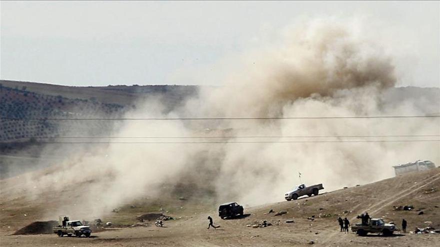 21 muertos en bombardeos del régimen sirio con barriles explosivos en la zona del EI