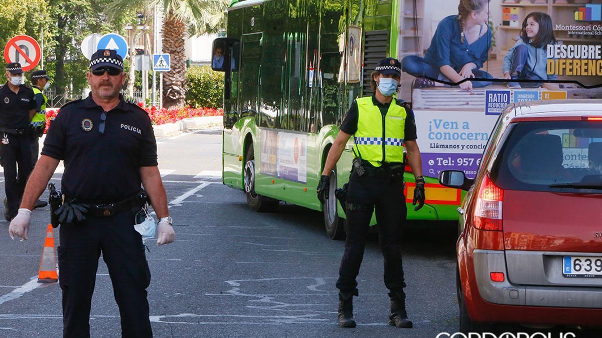Un control de la Policía Local | TONI BLANCO