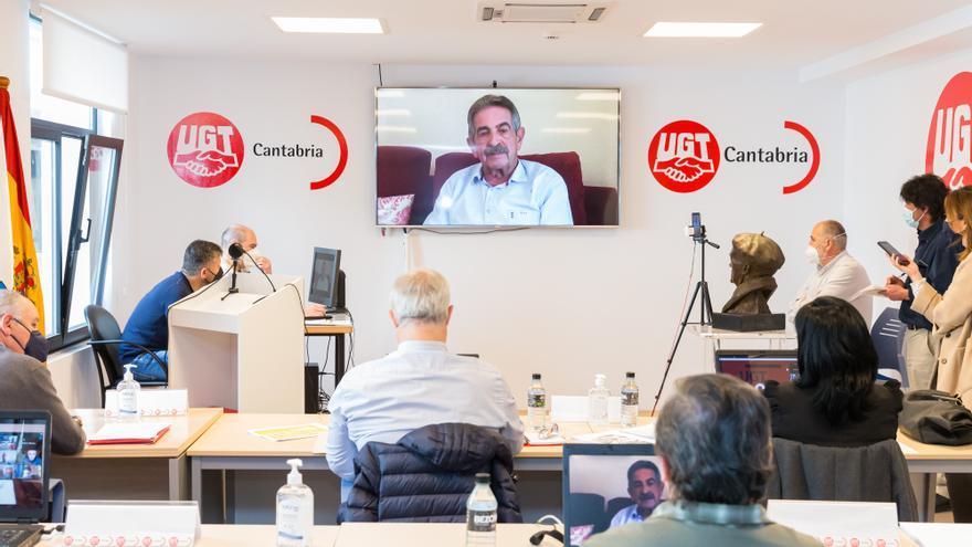 El presidente de Cantabria, Miguel Ángel Revilla, interviene por videoconferencia en la apertura del XIV Congreso Regional de UGT Cantabria