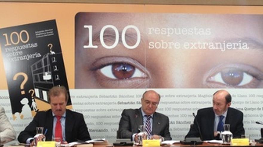 Alfredo Pérez Rubalcaba, Carlos Carnicer Y Manuel Campo Vidal
