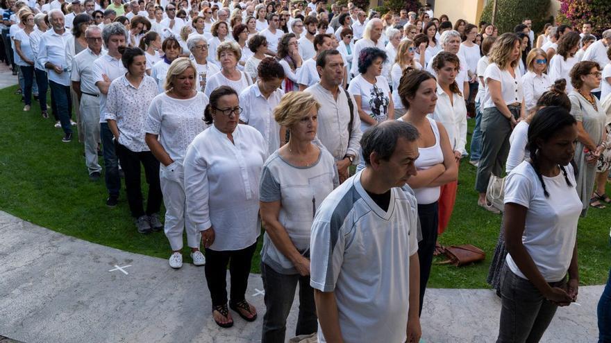 Momento de la performance celebrada en la Magdalena en recuerdo de las víctimas del campo de concentración que allí hubo.   LA VORÁGINE
