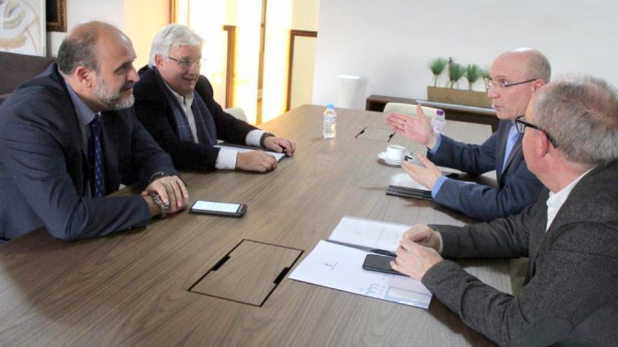 Reunión para conseguir apoyos para el Pacto contra la Despoblación de Castilla-La Mancha. FOTO: JCCM