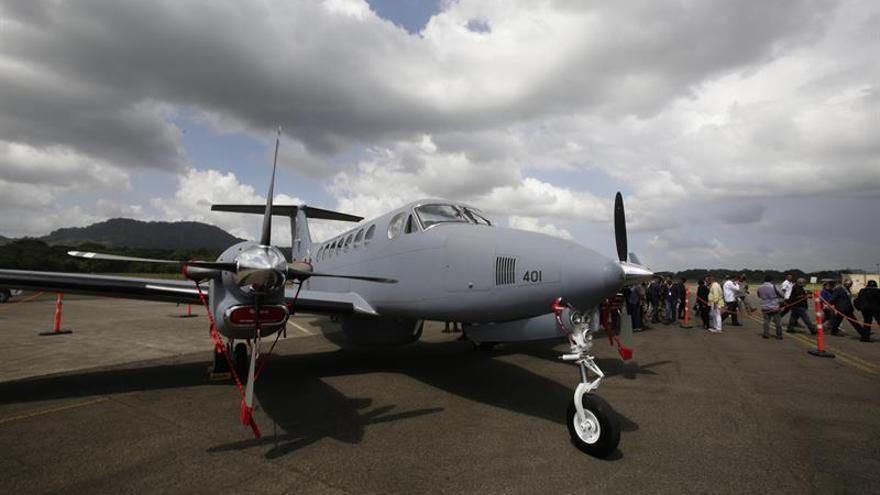 Panamá recibe un avión de última generación tras el acuerdo con Finmeccanica