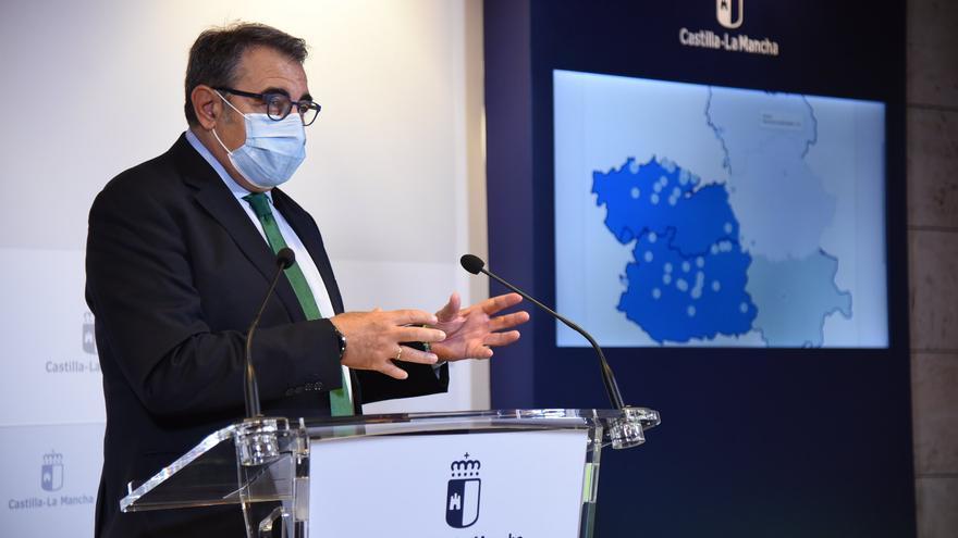 Castilla-la Mancha notificará también los positivos de municipios de más de 500 habitantes