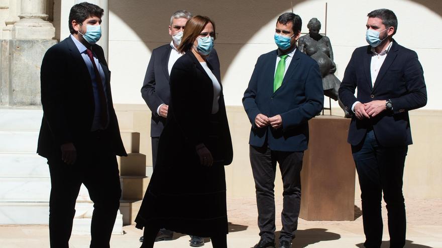 El presidente de la Región de Murcia, Fernando López Miras, y la vicepresidenta Isabel Franco