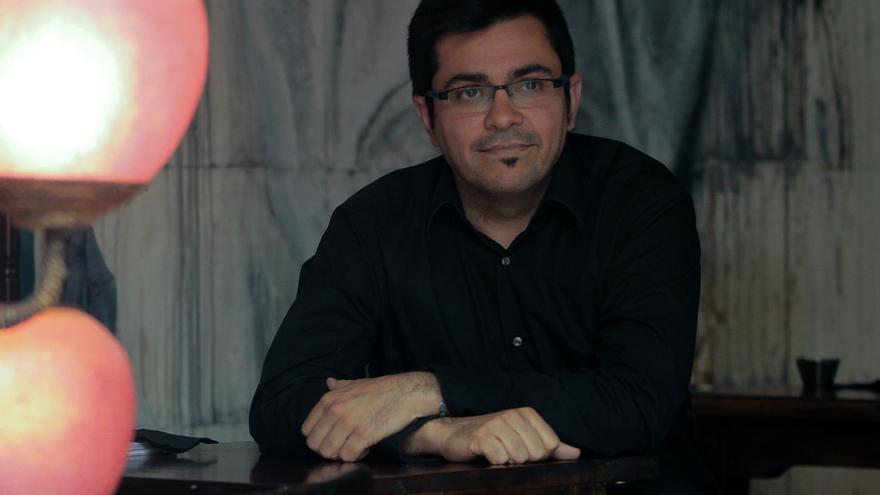 Gerardo Pisarello es el número dos del equipo de Ada Colau a las primarias de Barcelona En Comú. / Marta Jara