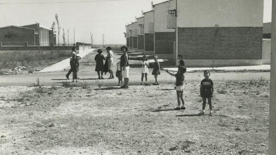 Habitantes de un pueblo de colonización