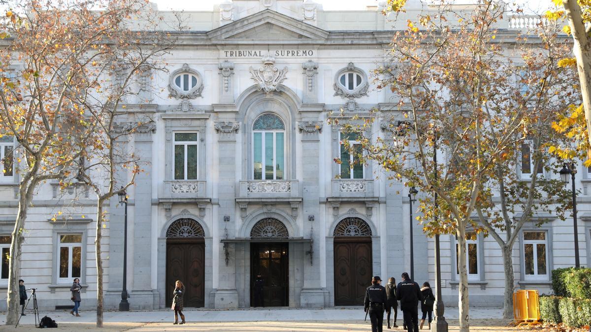 Fachada del Tribunal Supremo. EFE/Ballesteros/Archivo