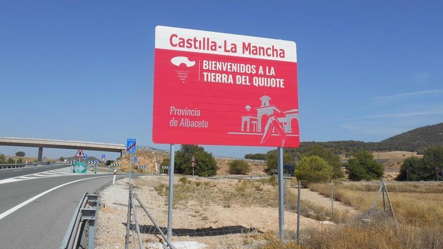 """Castilla-La Mancha plantea levantar su cierre perimetral """"sólo en días puntuales"""" en las fechas navideñas"""