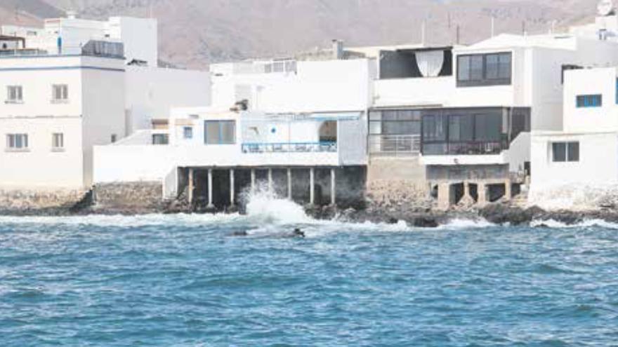 Casas en Arrieta junto al mar.