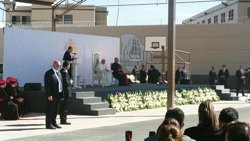 El papa visitó la cárcel de Ciudad Juárez y criticó la falta de reinserción
