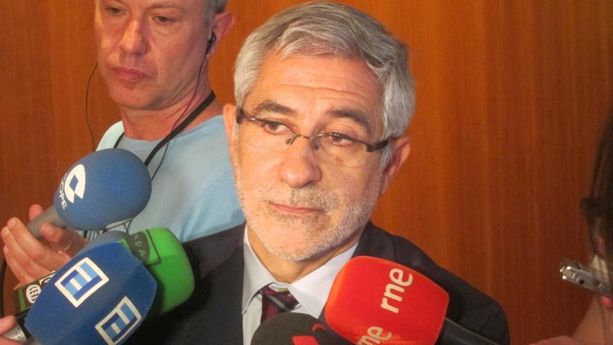 """Llamazares agradece su trabajo al coordinador regional de Asturias, que debe """"formar parte"""" de la renovación de IU"""